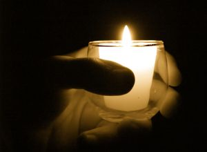 Candle_hand